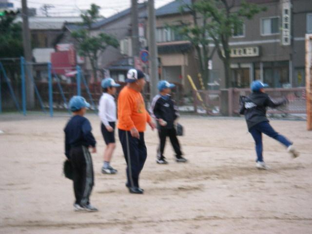 20071113_minna_pitcher