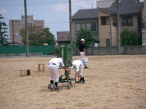 20070727_pitchingmachine_katazuke
